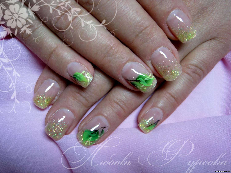 Дизайн на ногти на 8 марта